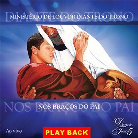 PB-DT-NOS-BRACOS-DO-PAI